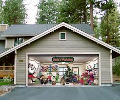 Garage Door Christmas Decoration 1